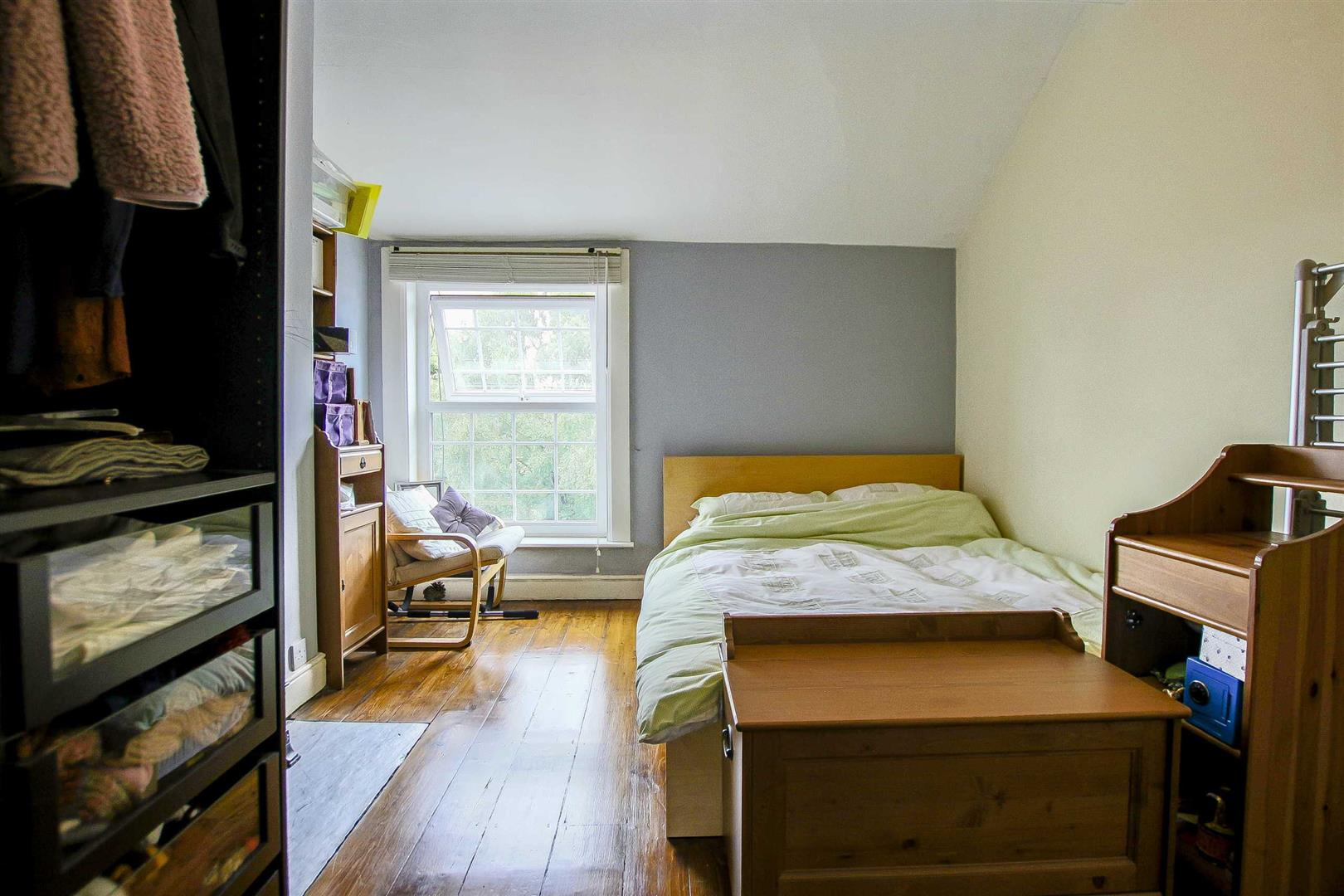 5 Bedroom Terraced House For Sale - Image 13